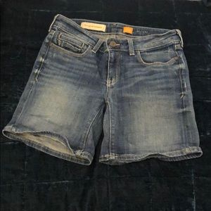 Anthropologie Pilcro size 25 denim shorts